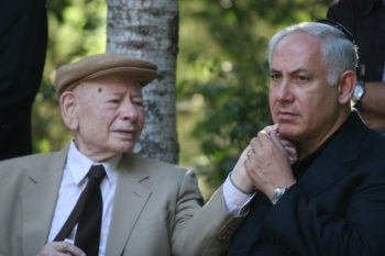 Israeli Prime Minister Benjamin Netanyahu with his father, Benzion, at a memorial day for Yoni Netanyahu at Mount Herzl military cemetery in Jerusalem, June 26, 2007.  (Michal Fattal/Flash90)