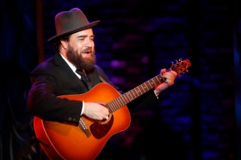 "Eric Anderson portrays Shlomo Carlebach in the new off-Broadway musical ""Soul Doctor"" about the rabbi's life.  (Carol Rosegg)"