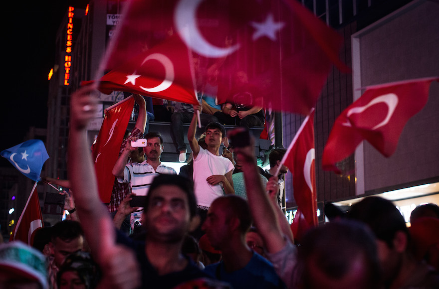 Allies Squabble Over Attempted Coup in Turkey, US Condemns Suggestions of Complicity